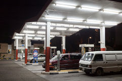 加油站在市科威特 免版税库存图片