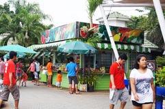 加油站的商店向在泰国东北部 免版税库存图片