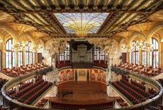 加泰罗尼亚的音乐宫殿在巴塞罗那,卡塔龙尼亚 库存照片