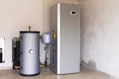 加热的热泵空的水 免版税库存图片