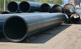 加热,油和煤气的巨大的管子 库存图片