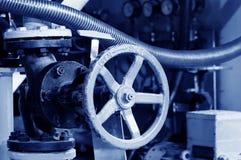 加热系统管阀门 库存图片
