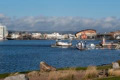 加的夫, WALES/UK - 12月26日:加的夫海湾地平线在威尔士o 免版税库存照片