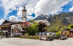 加米施・帕藤吉兴在巴法力亚阿尔卑斯 免版税库存照片