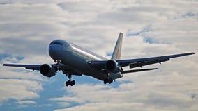 加航波音767-300ER在多伦多皮尔逊 免版税图库摄影