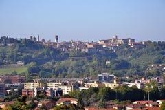 贝加莫上部市, Citta亚尔他,意大利全景  库存图片