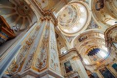 贝加莫大教堂内部 免版税图库摄影