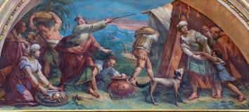 贝加莫,意大利- 2017年3月16日:壁画会集精神食粮的摩西和犹太人在沙漠 免版税库存图片