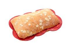 加调料的口利左香肠三明治 库存图片