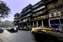 加速的出租汽车` s在孟买 库存照片