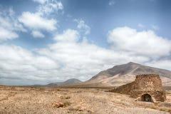 加那利群岛沙漠沙子-兰萨罗特岛重创的Hacha 免版税库存照片