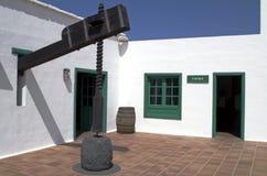 加那利群岛lanzarote新闻酒 库存图片