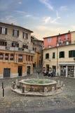 加里波第城广场在中世纪古镇纳尔尼,意大利 免版税图库摄影