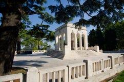 加里波第藏有古代遗骨的洞穴陵墓-罗马 免版税库存图片