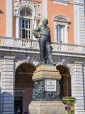 加里波第雕象在比萨-比萨意大利- 2017年9月13日的历史的中心 免版税库存照片