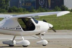 动力滑翔机试飞病毒SW小型飞机 免版税图库摄影