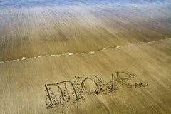 移动在沙子 免版税图库摄影