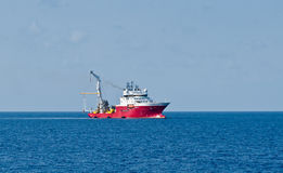 动态地确定的船 库存图片
