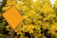 动态精力充沛的亚斯本标志秋天 库存照片