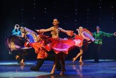 动态颜色裙子这奥地利的世界舞蹈 免版税库存图片