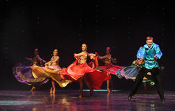 动态颜色裙子这奥地利的世界舞蹈 图库摄影