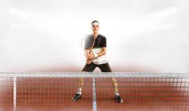 活动男性球员网球 免版税库存图片