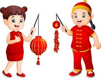 动画片中国的孩子拿着灯笼和爆竹 库存例证