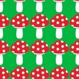 动画片伞形毒蕈muscaria蛤蟆菌蘑菇象 狂放的森林蘑菇传染媒介例证 无缝的模式 皇族释放例证