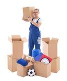 移动的天概念-蓝色工作服的年轻英俊的人与加州 免版税库存图片