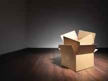 移动的家的储蓄图象的空的箱子 免版税库存图片