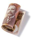 滚动的新西兰一百美元 免版税库存照片