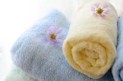 滚动的毛巾选择聚焦在家 图库摄影