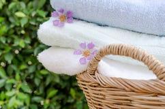 滚动的毛巾选择聚焦在家 库存照片