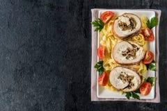 滚动的肉用蘑菇和乳酪 图库摄影