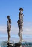 移动的雕塑阿里和Nino在巴统,乔治亚 免版税库存照片