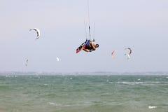 活动迷离kitesurfer行动 图库摄影