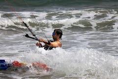 活动迷离kitesurfer行动 库存图片