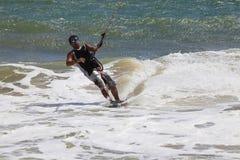 活动迷离kitesurfer行动 免版税库存图片