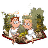 动画片天使在植物中坐一本伟大的书 免版税库存图片