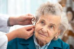 助听器 库存照片