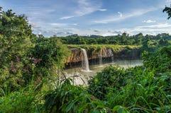 努瓦尔瀑布的驱动 库存照片