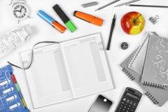 努瓦尔 黑色白色 回到概念学校 教育,学校日程表 tschool快餐 顶视图 免版税库存图片