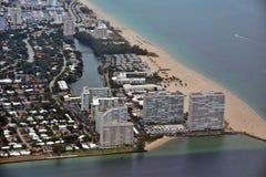劳德代尔堡海滩鸟瞰图 免版税库存图片