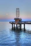 勃兰特St码头垂直在伯灵屯,黄昏的加拿大 图库摄影