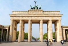 勃兰登堡门和四马二轮战车在柏林 免版税图库摄影