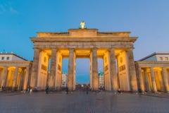 勃兰登堡门在蓝色小时 免版税图库摄影