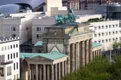 勃兰登堡门的新的角度 库存图片