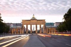 勃兰登堡门,柏林晚上 库存照片