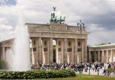 勃兰登堡门(Brandenburger突岩)在柏林 免版税库存照片