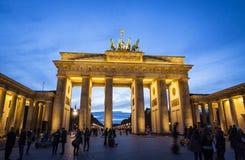 勃兰登堡门& x28; Brandenburger Tor& x29;在柏林,德国 图库摄影